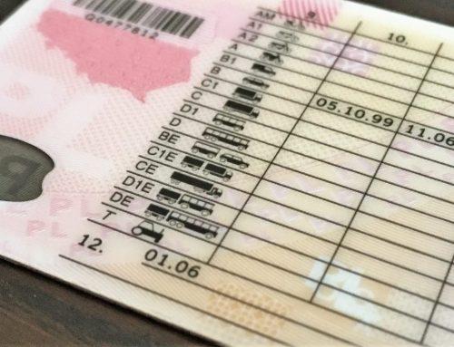Tajemnicze kody w prawie jazdy? Nie znasz – możesz  zapłacić mandat!